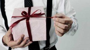 5 «мужских» подарков на Новый Год до 4000 рублей